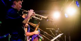 Kettő Kettő Tánczenekar koncert-Szentendrei Pestisűző Fesztivál