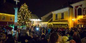 Akusztikus koncertek a Fő téren